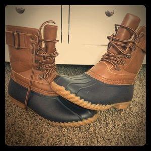 Shoes - JBU duck boots